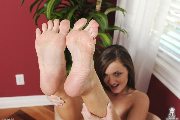 Lily Carter Bare Feet